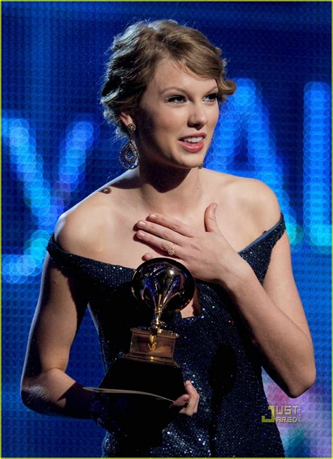 Taylor Swift Wins Album of the Year Grammy For 'Fearless