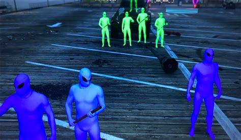 Rockstar Acknowledges Green vs Purple War With Free Suits