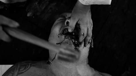 Happyotter: THE HUMAN CENTIPEDE II (FULL SEQUENCE) (2011)