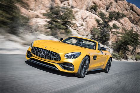 Mercedes-AMG GT C Roadster review - Convertible AMG blurs
