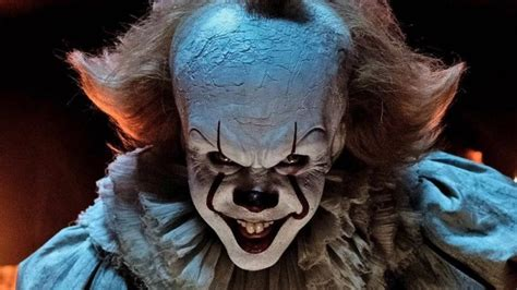 The Actor Who Plays Pennywise Is Gorgeous In Real Life